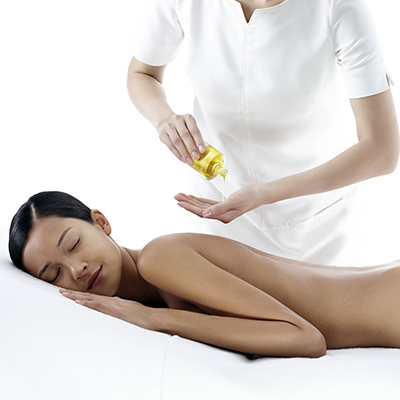 Clarins-Re-balancing-full-body-massage.